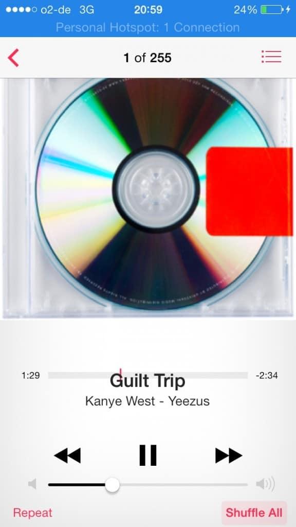 iOS 7 mistake music text overlap